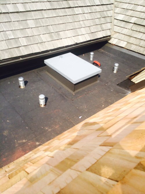 Choosing Materials With Roofing Experts in Toronto Flat and Ceadar Rosedale